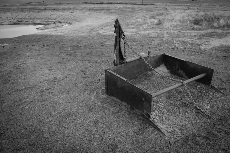 Janlin dam dredge silt dry farm